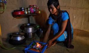 Bếp TKNL cho nạn nhân động đất ở Nepal