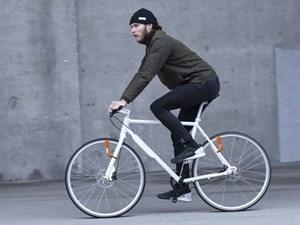 Đèn xe đạp dùng năng lượng vô tận từ vòng quay bánh xe