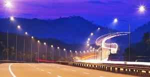 Đề xuất lắp 300 đèn năng lượng mặt trời trên 9km quốc lộ
