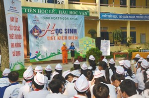 Quang Ngai Power Company Launched Power-saving in Schools in 2016