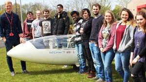 Sinh viên Anh chế tạo máy bay chạy hoàn toàn bằng điện