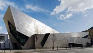 Đại học London Metropolitan cắt giảm lượng CO2 thải ra nhờ dự án đèn LED