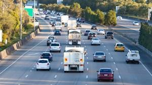 Anh: Ngành công nghiệp ô tô cắt giảm lượng năng lượng và nước tiêu thụ