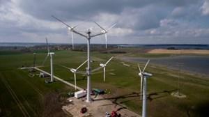 Tuabin gió nhiều rotor của Vesta sản xuất những kWh điện đầu tiên