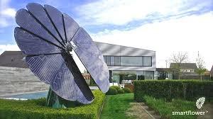 Hệ thống pin mặt trời Smartflower POP sản xuất hơn 40% điện năng