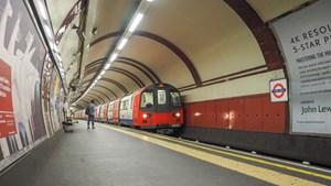 Tàu điện ngầm Luân Đôn chạy bằng năng lượng sạch