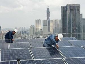 Giá điện mặt trời mái nhà là 1.943 đồng/kWh