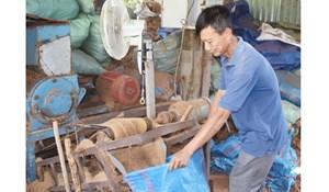 Cơ sở sản xuất sản phẩm phân hữu cơ mụn dừa ở Cầu Kè tăng lợi nhuận nhờ tiết kiệm điện