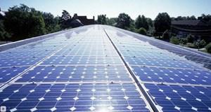 Kiểm soát điện áp của hệ thống điện mặt trời nối lưới trong trường hợp sụt áp