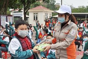 Hà Tĩnh hưởng ứng Chiến dịch Giờ Trái đất năm 2021