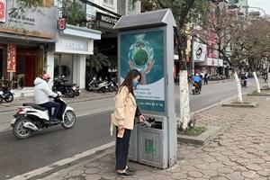 Lắp đặt 11.000 thùng rác phát sáng bằng năng lượng mặt trời tại Hà Nội